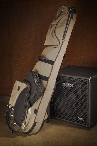 Subway D-800 Bass Amp in a Gig Bag