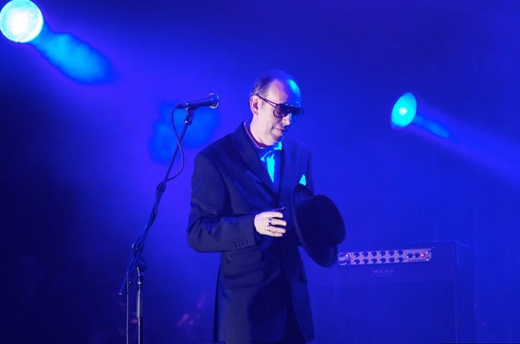 Mick Jones makes his way onto the stage at Coachella 2011