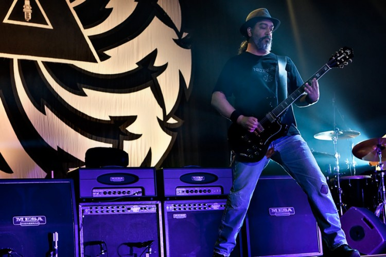 Kim Thayil hanging around the rig to feel the punch and crunch from ElectraDynes and Tremoverbs