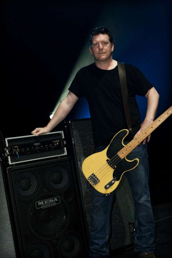 Soungarden's Ben Shepherd and the M6 Carbine and Powerhouse 1200 cabinet