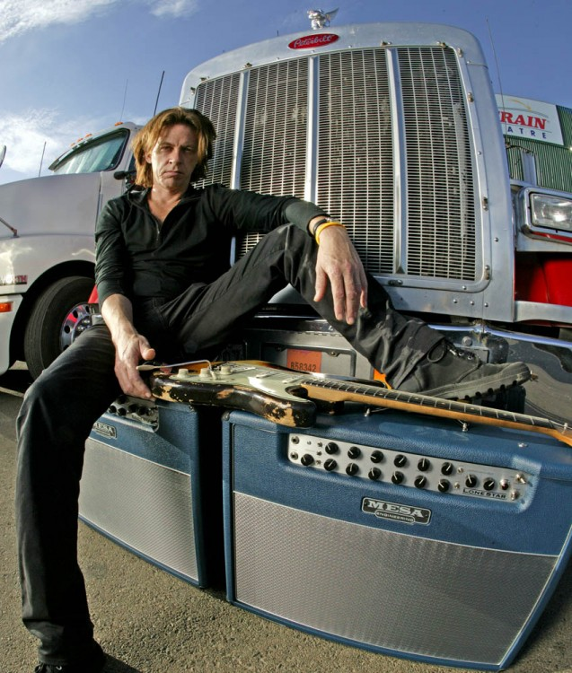 Dominic Miller and his MESA/Boogie Lone Star combos in 2005