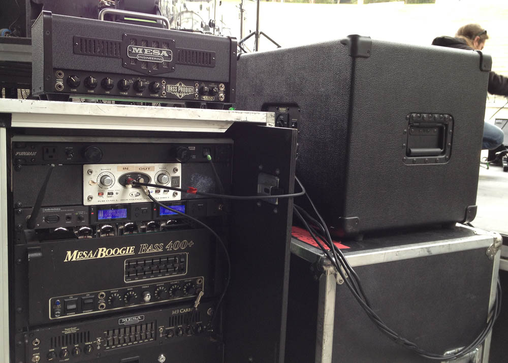 Hector Maldonado's Bass rig includes the Bass 400+, Carbine M9 and Powerhouse 4x10 and 1x15 (click to enlarge)